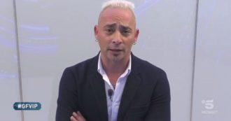 """Grande Fratello Vip, Salvo Veneziano si scusa in diretta: """"Stavo scherzando, sono stato un po' cogl***e"""". Ma Barbara Alberti: """"Tue parole preludio allo stupro"""""""