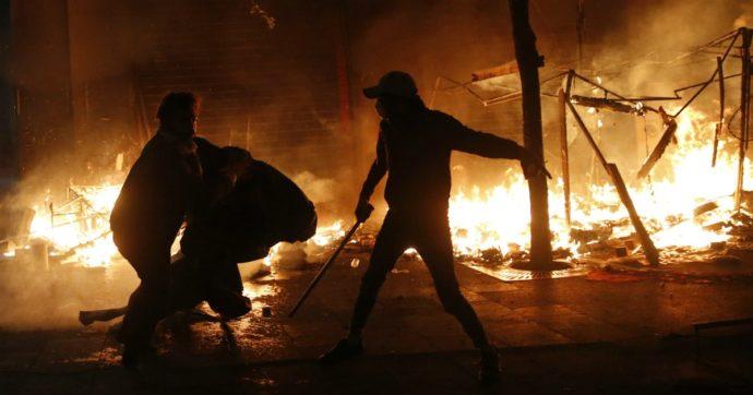 Libano, proteste e scontri nel centro di Beirut, interviene l'esercito: quasi 400 feriti