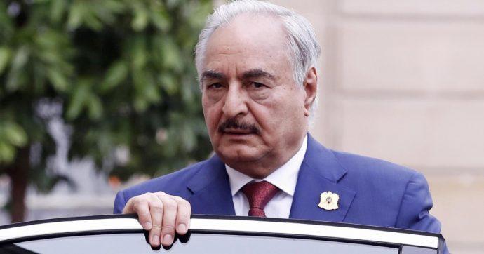 """Libia, Haftar dichiara stop a offensiva militare: """"Pronti a riprendere se viene violata la tregua"""". Sarraj: """"Nessuna pausa, non ci fidiamo di lui"""""""