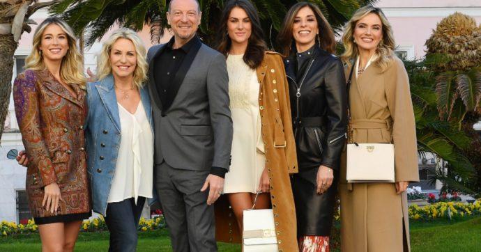 """Sanremo 2020, 29 deputate scrivono ad Amadeus: """"Si scusi per la conferenza stampa"""". E sulla presenza di Junior Cally: """"Testi pieni di violenza, sessismo e misoginia"""""""