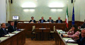 """Gregoretti, primo ok in Senato al processo a Salvini: i sì sono quelli della Lega che esegue l'ordine del leader. La maggioranza diserta il voto: """"Pagliacciata"""". L'ex ministro: """"Stessa linea anche in Aula"""""""