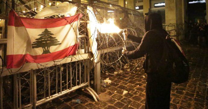 """Libano, nuovo governo filo-Hezbollah: fuori i partiti vicini a Usa, Francia e Arabia Saudita. """"Lavoreremo per soddisfare chi protesta"""""""