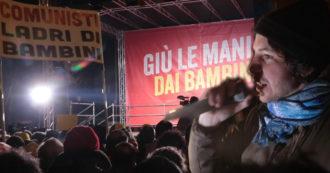 """Bibbiano, la sfida delle due piazze. Santori (Sardine): """"Di là marketing su caso giudiziario"""". Leghisti: """"Vinciamo noi, basta coi comunisti"""""""