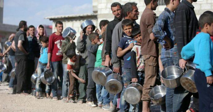 """Siria, intesa tra Erdogan e Putin per il cessate fuoco a Idlib da mezzanotte. Onu: """"Un milione di civili sfollati, per il 60% minori"""""""