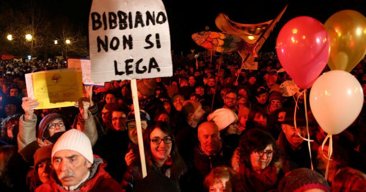 Le Sardine ribattono Salvini  5 mila in piazza contro mille