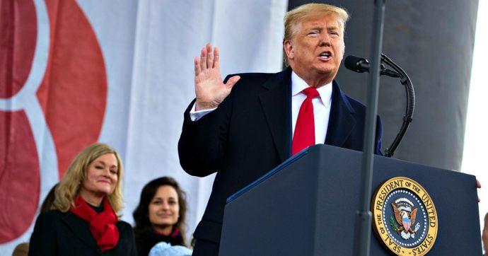"""Impeachment, """"Trump un dittatore, va rimosso"""". L'affondo dell'accusa contro il presidente che marcia con gli antiabortisti"""
