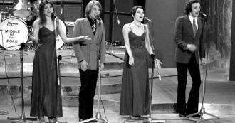 """Festival di Sanremo 2020, reunion a sorpresa dei Ricchi e Poveri a 50 anni da """"La prima cosa bella"""". Fiorello esulta: """"Voglio essere il quinto!"""""""