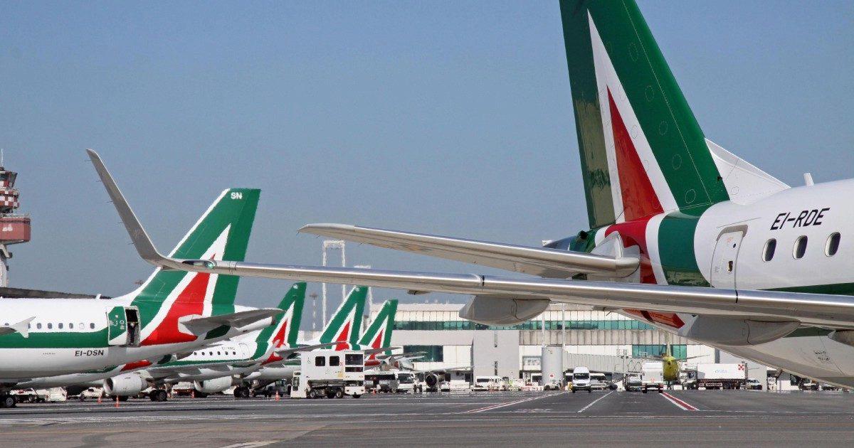 Gli aerei Alitalia in mano alla fiduciaria irlandese
