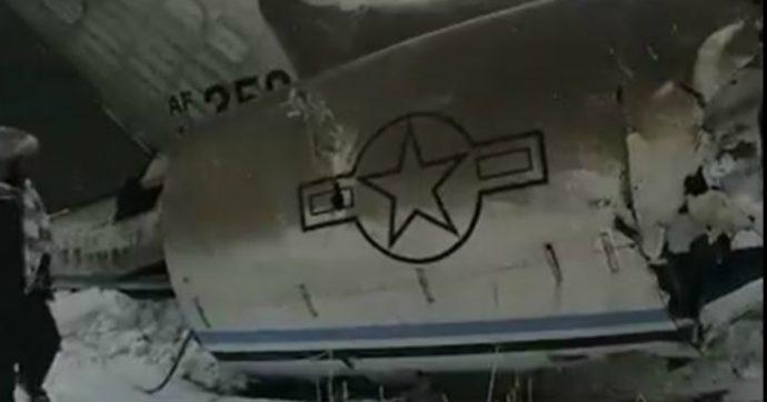 """Afghanistan, aereo precipita in area controllata dai talebani. Pentagono: """"È un velivolo Usa"""""""