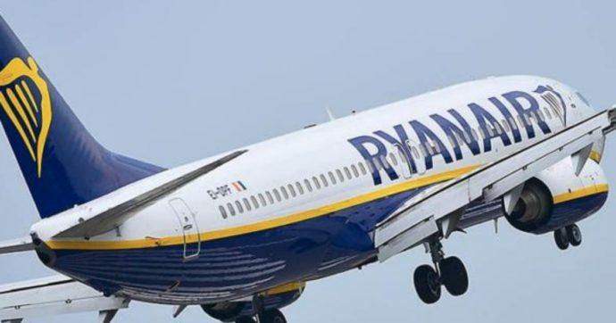 """Ryanair contro lo stop al bagaglio a mano in cabina: """"È una follia, così più contagi"""". Poi annuncia il ricorso in Ue contro Alitalia"""