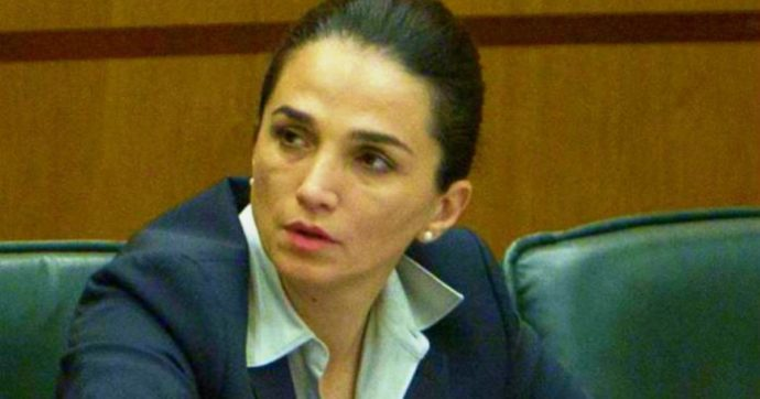 """Latina, """"non mi coprite Gina Cetrone sennò succede un casino"""": così i Di Silvio aiutarono la sua campagna elettorale per 25mila euro"""