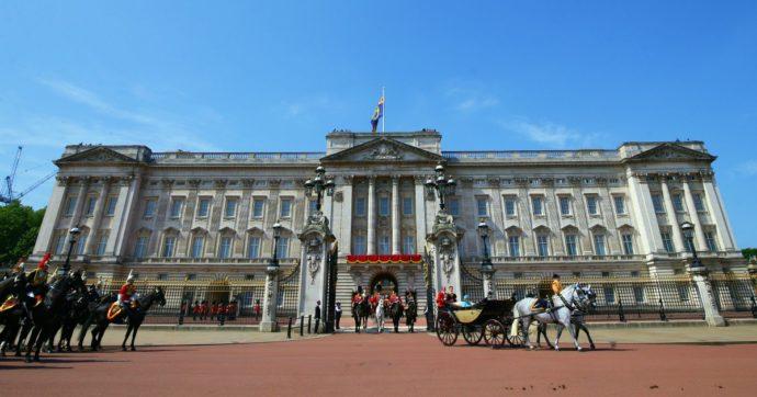 """Evasione fiscale, lo studio: """"Gli eredi delle dinastie inglesi dell'epoca vittoriana hanno nascosto tra il 20 e il 30% dei patrimoni"""""""