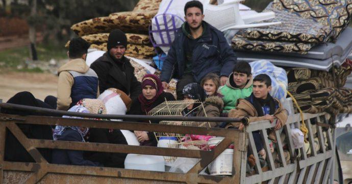 Risultati immagini per 390 mila sfollati in 2 mesi a Idlib