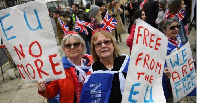 """Brexit, iniziato il conto alla rovescia: il Regno saluta l'Europa  a mezzanotte. Downing Street prepara i festeggiamenti. Ue: """"Giorno emotivo"""""""