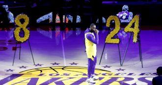 """Kobe Bryant, il commovente discorso di LeBron James: """"Vivrai per sempre fratello"""" Prima della partita 24.2 secondi di silenzio"""