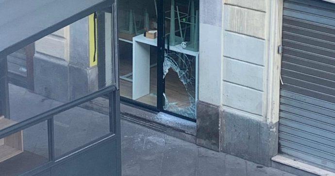 """Coronavirus, il racconto dell'imprenditore della Chinatown di Milano: """"Mi hanno sfondato la vetrina, spero sia solo un caso"""""""