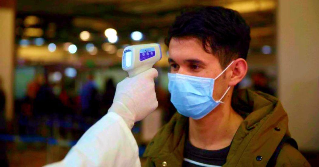 """Coronavirus, """"Niente scuola per chi torna dalla Cina"""": 3 Regioni leghiste contro circolare del governo. Presidi: """"Va rispettata"""""""