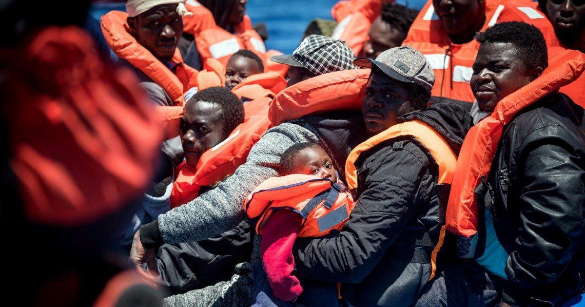 Migranti, così deve cambiare il trattato tra l'Italia e la Libia