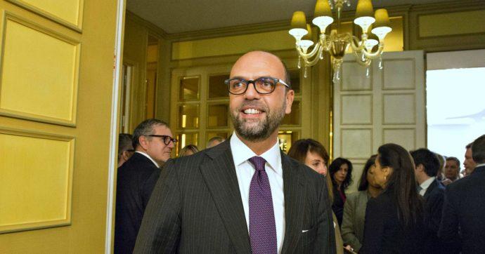 """Angelino Alfano, la famiglia Regeni chiede di """"chiarire i suoi rapporti con l'Egitto"""": dalla Farnesina allo studio legale che collabora con gli ex vertici di al-Sisi"""