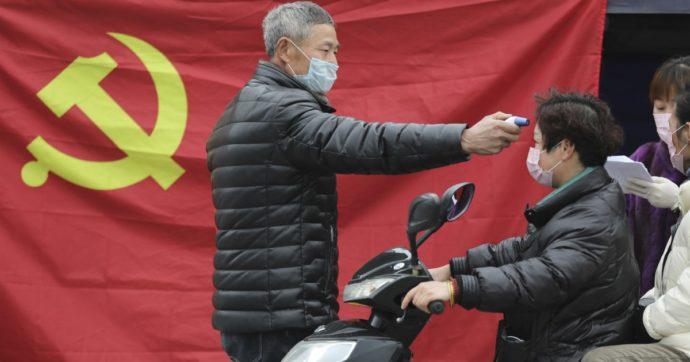 """Coronavirus, il mea culpa dei vertici cinesi: """"Nostre carenze nella gestione dell'epidemia. Stop a vendite illegali di animali selvatici"""""""