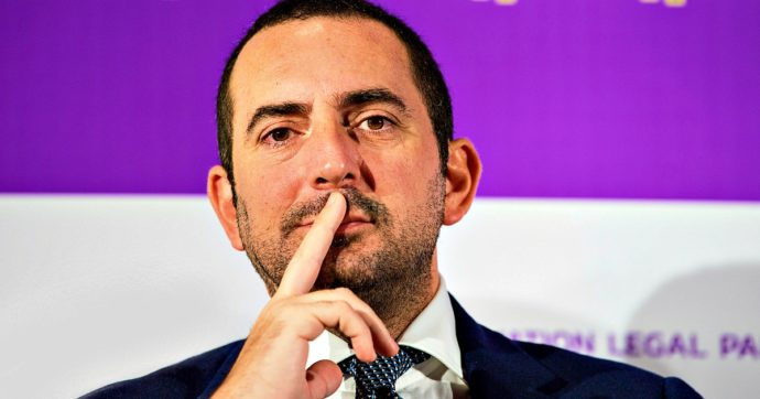 """Coronavirus, Spadafora: """"Calcio non si è fermato solo per interessi economici"""". Ghirelli: """"Ipotesi play off per assegnare scudetto"""""""