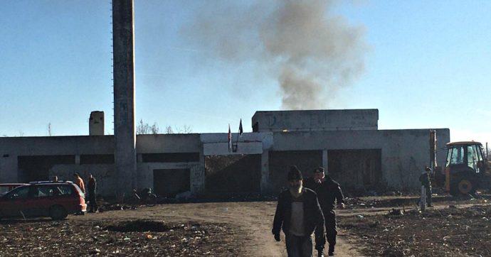 """Serbia, la denuncia dei volontari: """"Aggrediti con la benzina mentre aiutavamo migranti. Dopo processo, polizia ci ha dato fogli di via"""""""