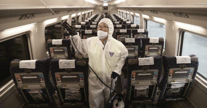 """Coronavirus, due bambini trasferiti allo Spallanzani: negativi al test. Di Maio: """"Un aereo militare per il 17enne rimasto a Wuhan"""""""