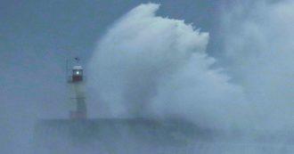 Gran Bretagna, allarme per la tempesta Ciara: traffico limitato e voli cancellati. Allerta anche in Belgio, a Parigi chiusa la Torre Eiffel