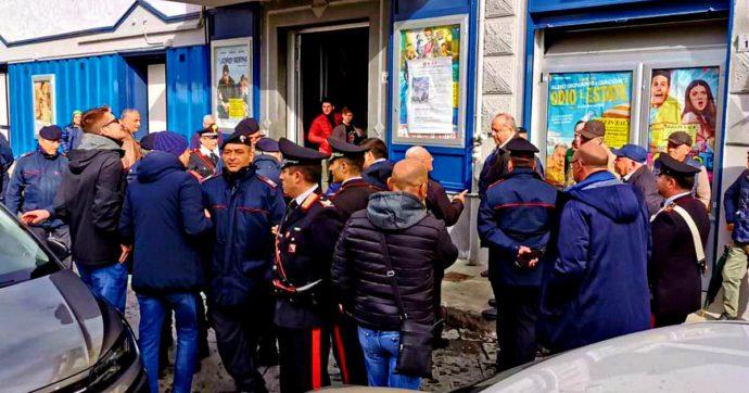 Bettino Craxi, il presidente della Campania Vincenzo De Luca al dibattito sul leader del Psi: accolto da insulti e lancio di monetine