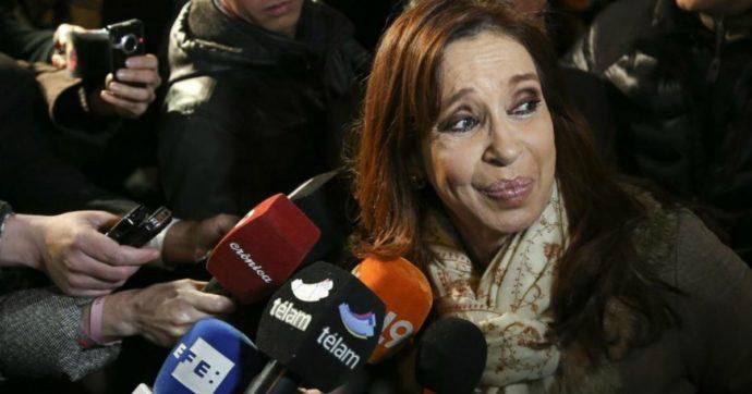 """Argentina, la vicepresidente Kirchner: """"Italiani mafiosi per genetica"""". Morra: """"Inaccettabile attacco razzista. Chieda scusa"""""""