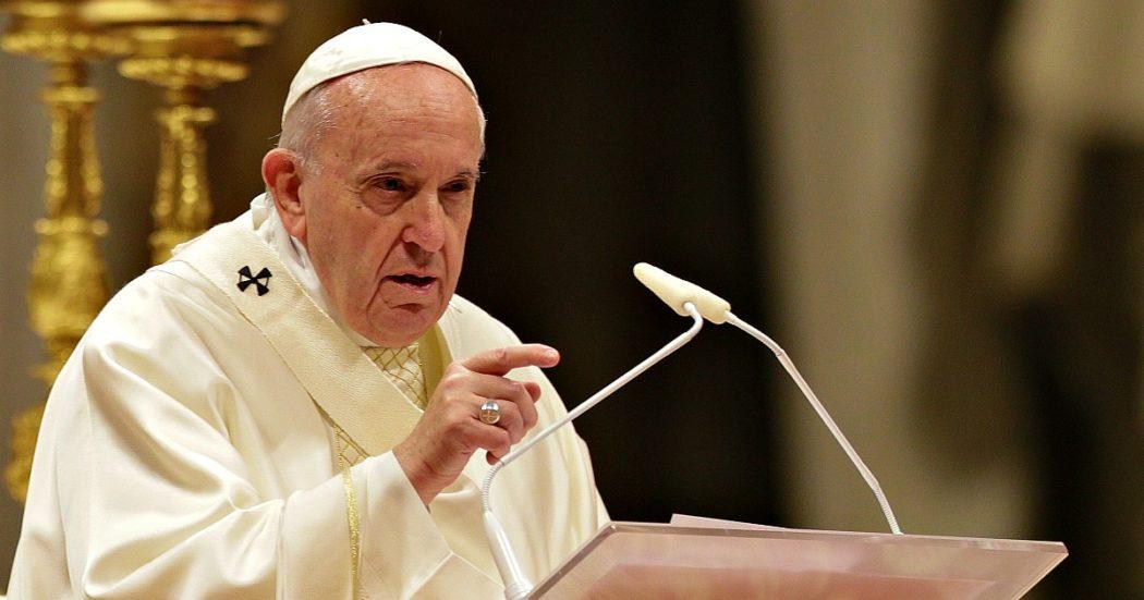 """Fase 2, Papa Francesco sconfessa la Conferenza episcopale italiana e sostiene la linea di Conte: """"Prudenza e obbedienza alle disposizioni"""""""