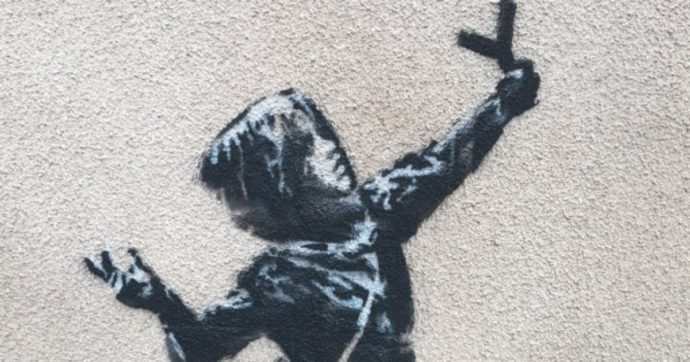 Banksy, una bellissima opera appare nella notte a Bristol. Sarà il regalo di San Valentino del misterioso artista?