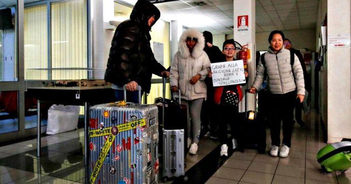 """Coronavirus, Spallanzani dimette 20 cinesi. """"Rifiutati da alberghi, i taxi non li facevano salire. Rimasti qui un'altra notte"""""""