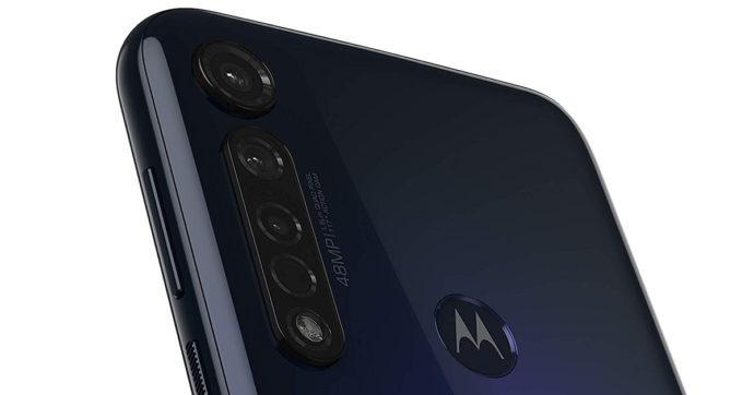 Motorola Moto G8 Plus, smartphone con tripla fotocamera da 48 Mpixel scontato del 15% su Amazon