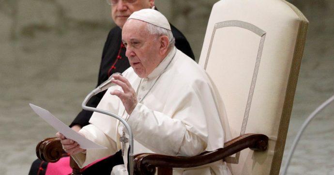 Papa Francesco auspica più spazio per donne e laici nella Chiesa. E c'è chi fa proposte concrete