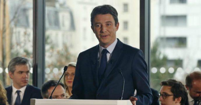 """Parigi, candidato sindaco di En Marche si ritira: diffuso in rete video a sfondo sessuale. Artista russo rivendica: """"Denuncio ipocrisia"""""""