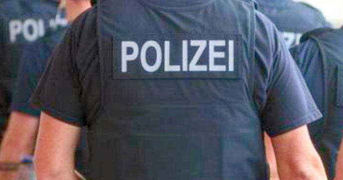 """Germania, """"volevano mettere a segno attentati contro politici, profughi e musulmani"""". Arrestati dodici estremisti di destra"""