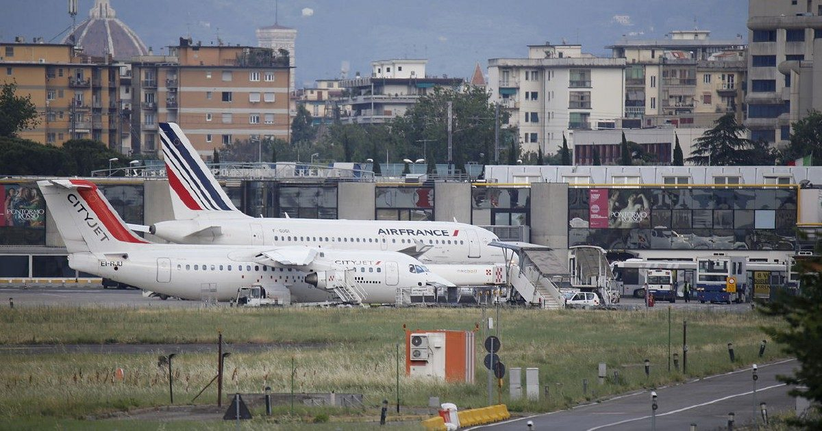 """Aeroporto Firenze, bocciato il progetto """"renziano"""". La rabbia di Lotti e Nardella"""