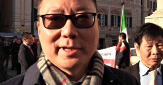 """Coronavirus, comunità cinese in piazza: """"Cambiata la vita quotidiana, sui mezzi le persone si spostano. Calo dell'80% nei locali"""""""
