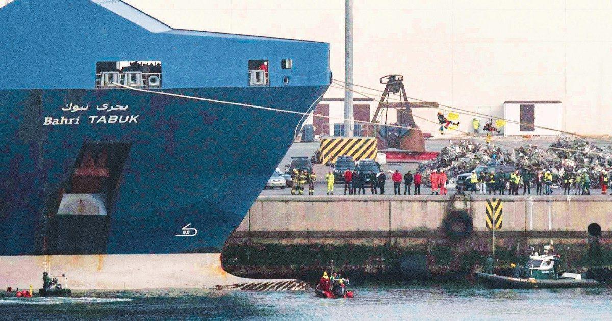 Genova, via libera al cargo con le armi per le guerre saudite