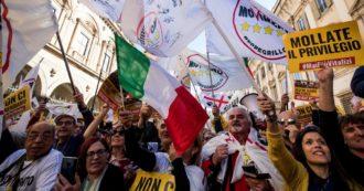 """M5S, la piazza anti-Casta diventa """"no-alleanze"""""""