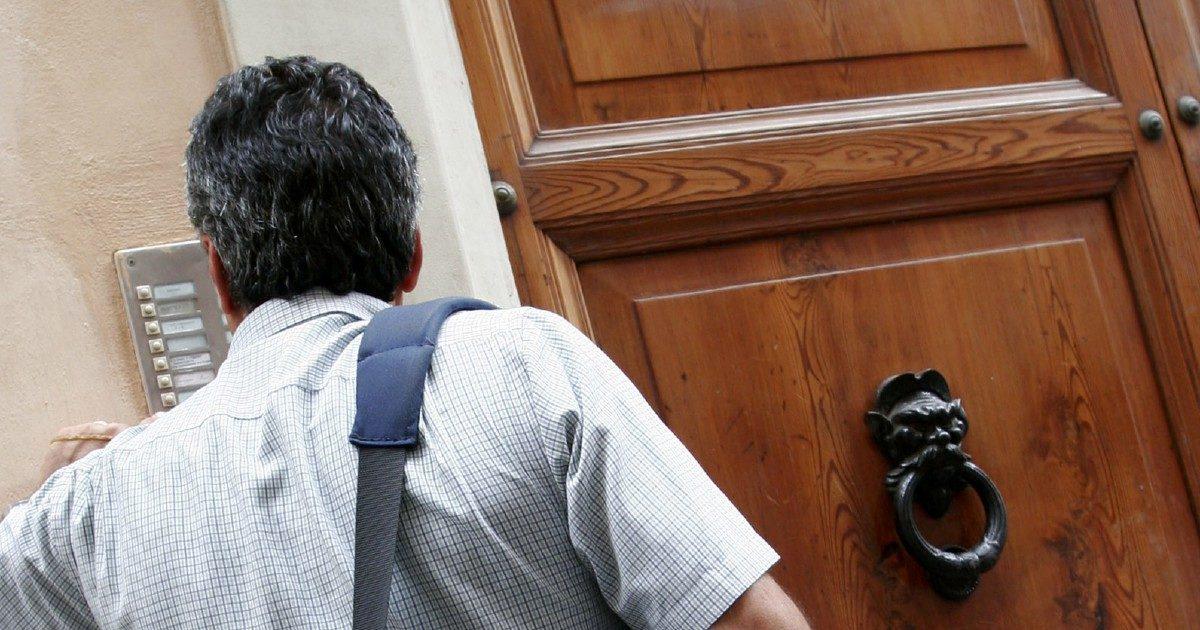 Il postino mancato: senza lavoro per uno scarabocchio