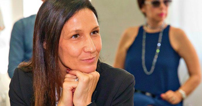 """Affidi, polemica in Piemonte per la legge sui tagli ai servizi sociali. L'assessora leghista: """"C'è chi critica e non è madre"""". Pd: """"Si dimetta"""""""