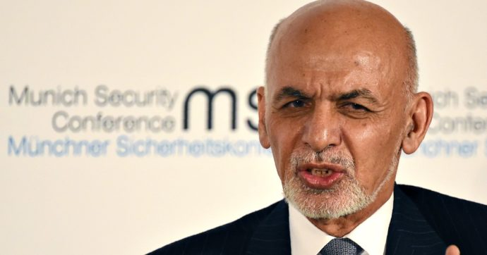 """Elezioni Afghanistan, Ghani riconfermato presidente per il secondo mandato. Taliban: """"Voto che va contro al processo di pace"""""""