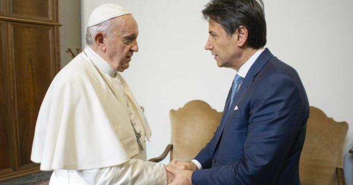 L'Italia ha una politica estera fallimentare. Per invertire la rotta basterebbe ascoltare il Papa