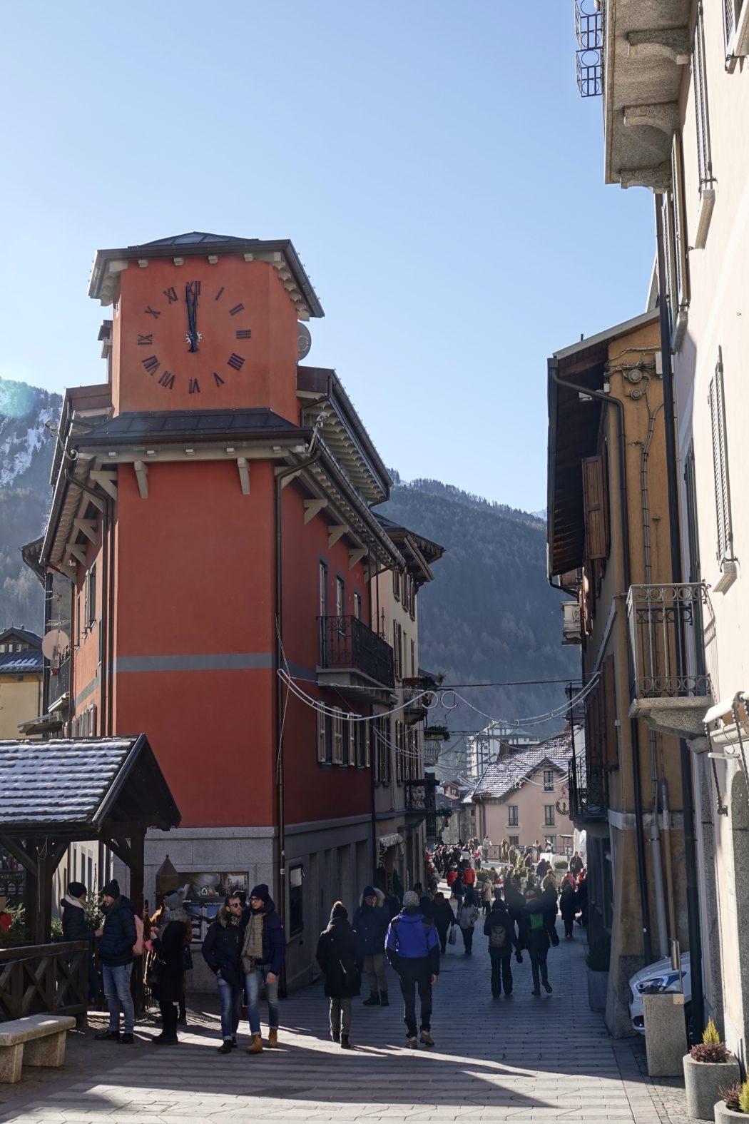Via Roma, il centro di Ponte di Legno.