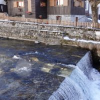 Il torrente Frigidolfo che attraversa Ponte di Legno