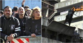 """Napoli, al via la demolizione delle Vele di Scampia. Abitanti: """"Momento storico, noi spesso discriminati per il solo fatto di vivere qui"""""""