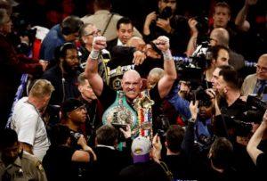 Tyson Fury è tornato: manda ko l'imbattuto Wilder e si laure