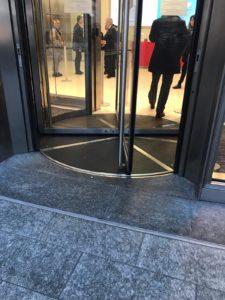 Coronavirus, aperta la Torre Unicredit a Milano. Da Enel a A